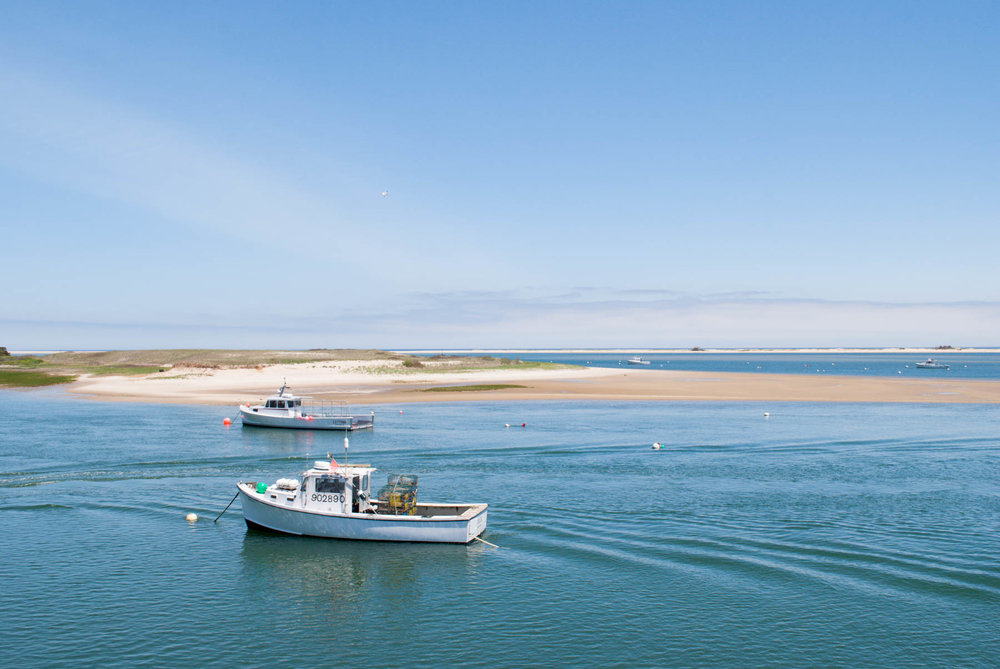 Chatham, Massachusetts — Thinking of taking a Cape Cod vacation? Stay in Chatham, Massachusetts for a relaxing beach vacation with your family and friends. This travel guide will tell you how to get there, where to stay, what to do, and what to eat!