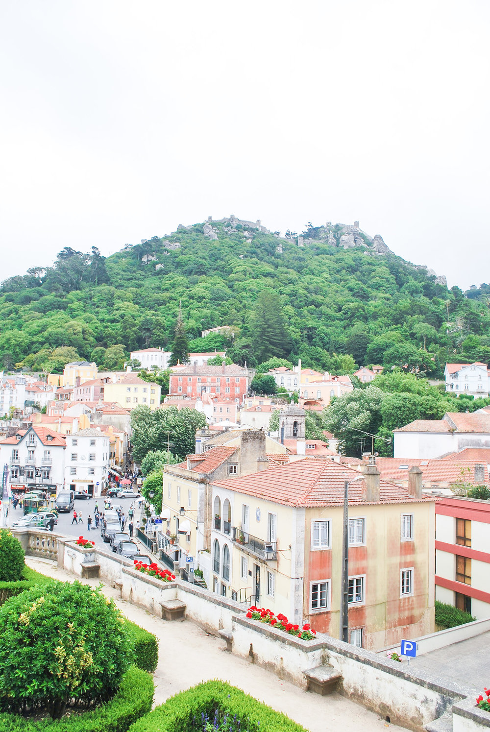 Visiting Lisbon, Portugal? From castles to beaches to wine country, here are 9 day trips to put on your Portugal itinerary!