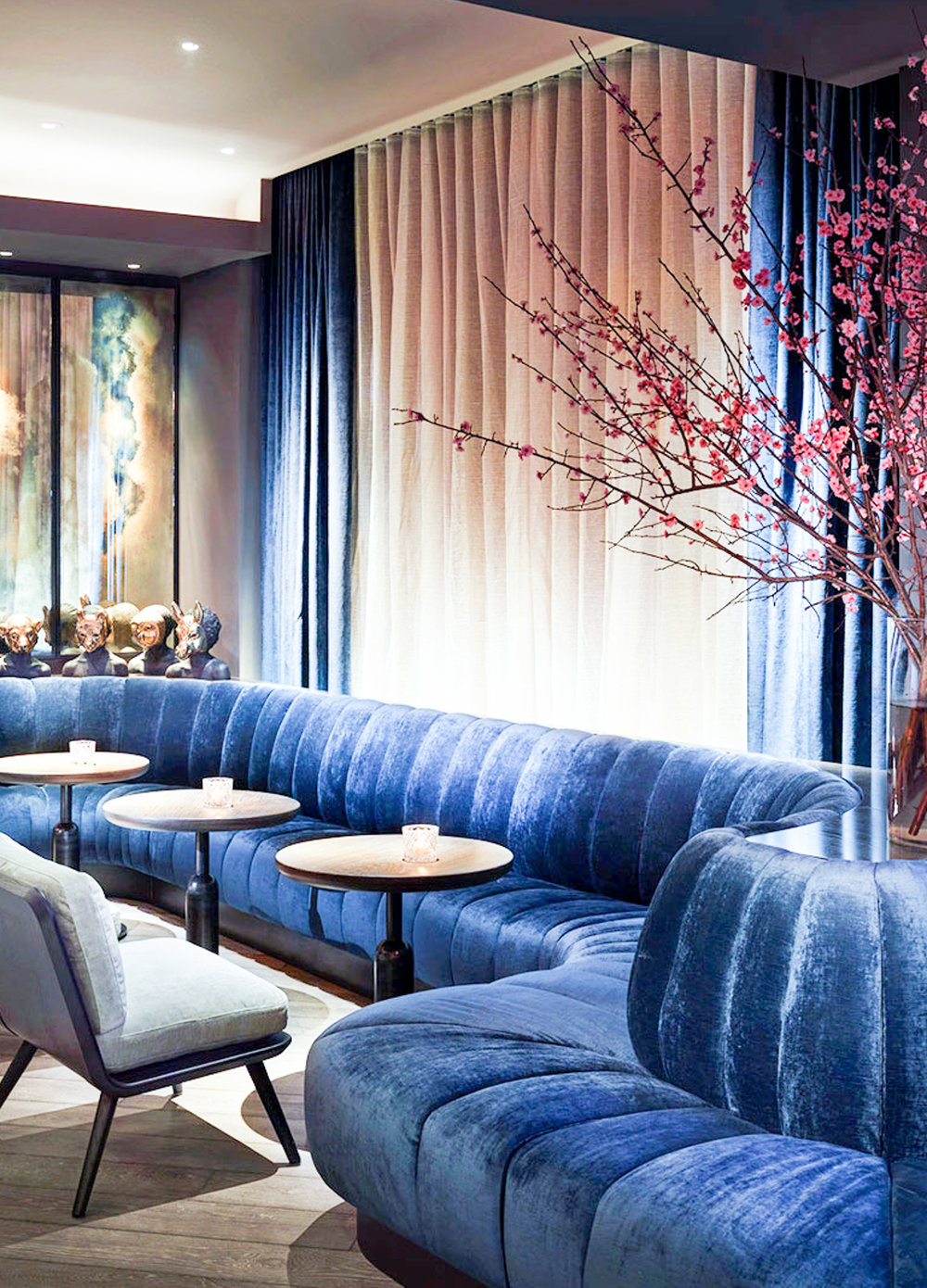 Whether you're a native New Yorker or just a visitor, there's something alluring about a well-established hotel bar. From views to cocktail presentation to beautiful decor, here are the 10 best hotel bars in NYC.