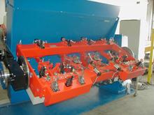 SPS gesteuerte Roboter-schweißvorrichtung für die Landmaschinenindustrie, mit 2 Schweißrobotern