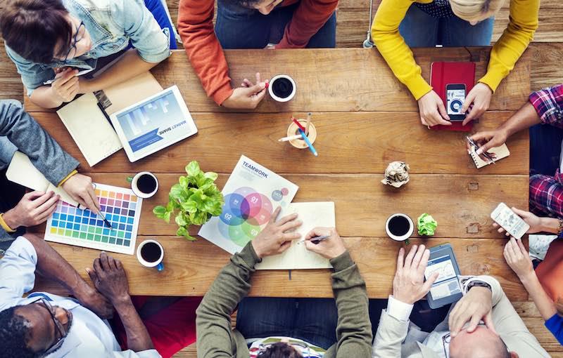 LE DESIGN ET LA CRÉATION - La passion comme moteur, qu'importe le projet pourvu que l'innovation nourrisse la création.Le brand design est au coeur de notre approche pour proposer une signature de marque identitaire.L'architecture des marques et le design produits constituent des étapes essentielles à la construction de marque.