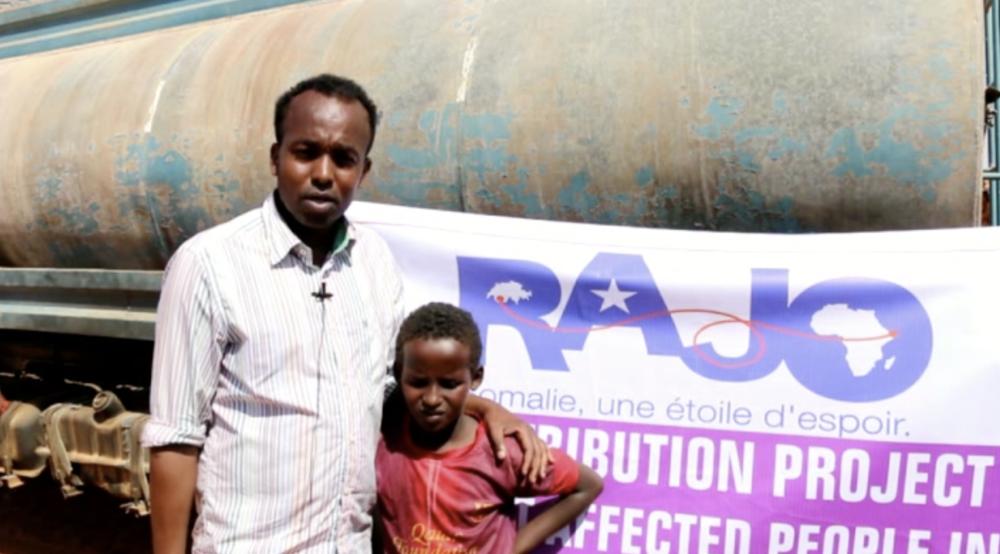 RAJO loue 29 camions citernes pour une distribution d'eau dans 8 villages souffrant de sécheresse