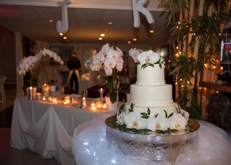 weddingcake_CU.jpg
