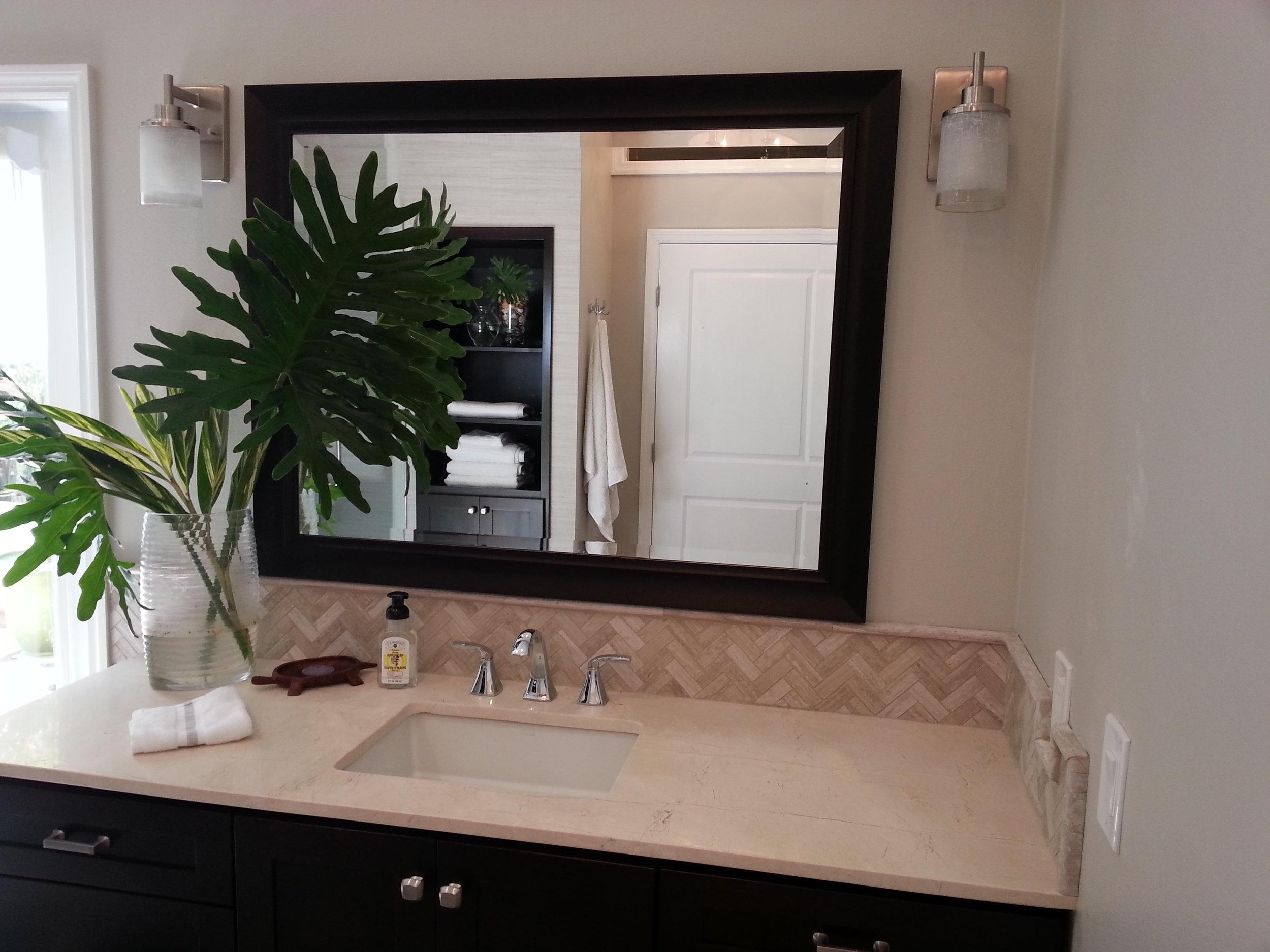 Sara bathroom 025