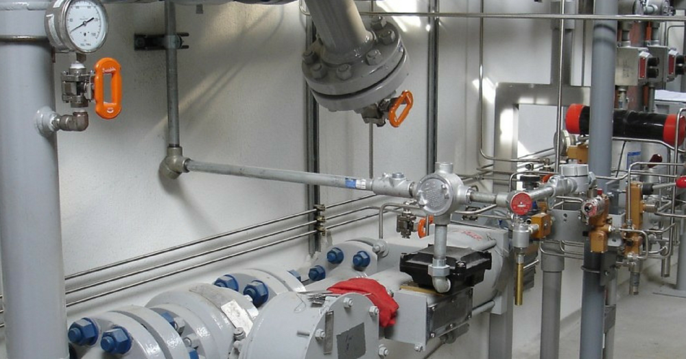 - From metering stations to Liquified Natural Gas (LNG) systems, RK Griffith can provide engineering, fabrication, and installation services for all types of high pressure natural gas equipment.Photo: Northstar Industries metering station