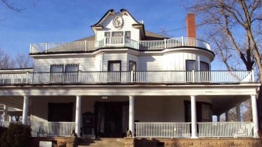 1908-house.jpg