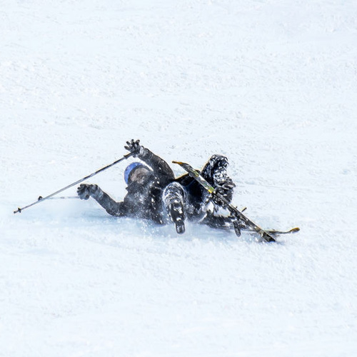 93528876_s-the-fall-of-the-skier-in-the-snow_500x500.jpg