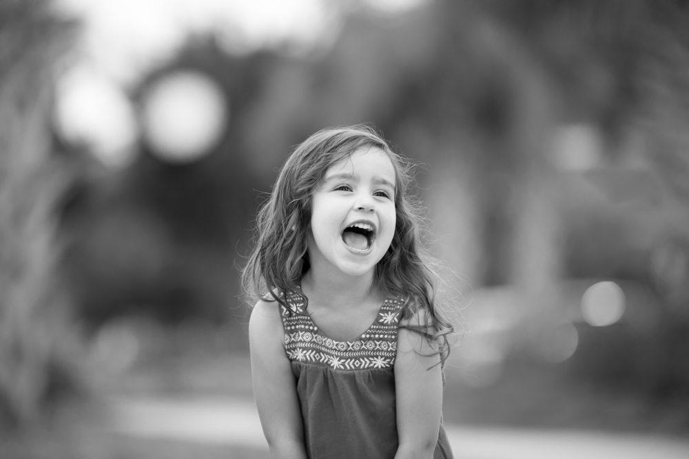 girl-laughing-photography