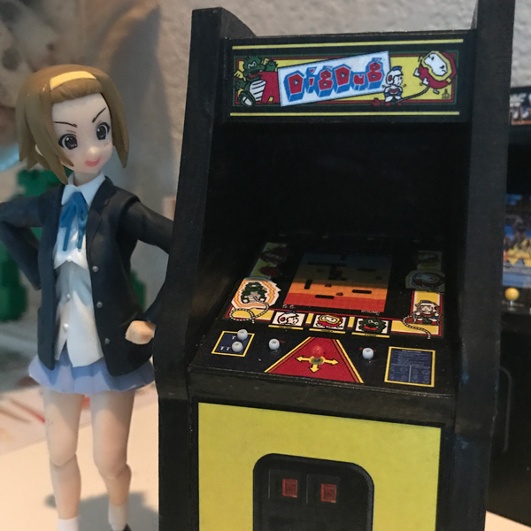 Arcade Cabinet v4 - Front w/Figma