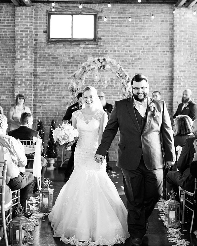 If you think this is breathtaking, you should see it in color! Congratulations Kim & AJ 💛 📸 @shaunaandjordonphotography  #cavutpa #tampabrides #weddingvenue #wedding #brideandgroom #floridaweddings #floridabrides