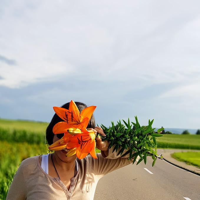Pararse y comprar flores, eso HYGGE nuestra vida.