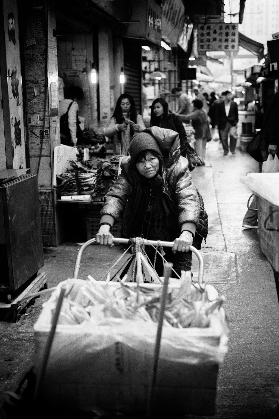 Maud WALAS Street Photography HONG KONG 01.jpg