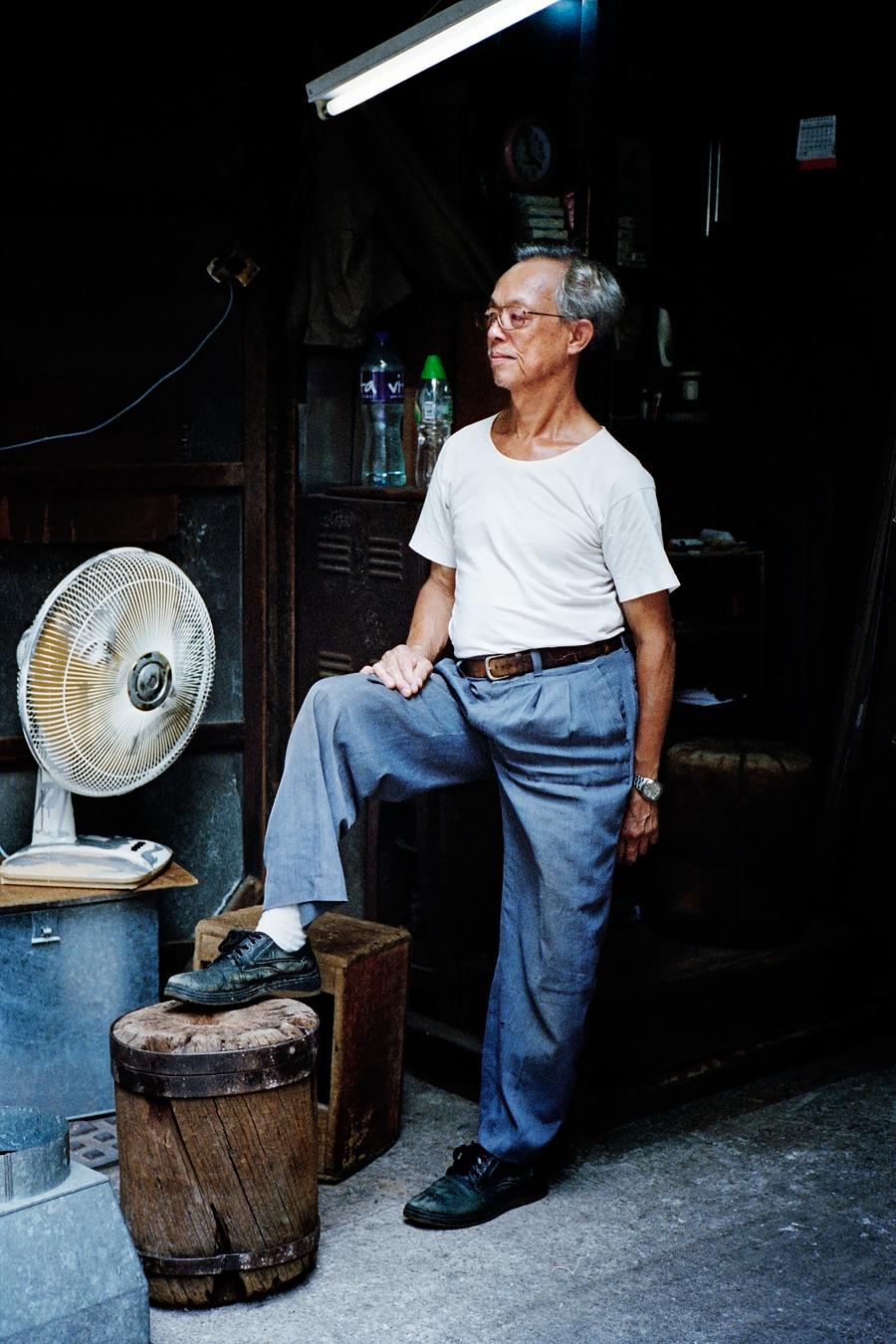 Maud WALAS Street Photography HONG KONG 18.jpg