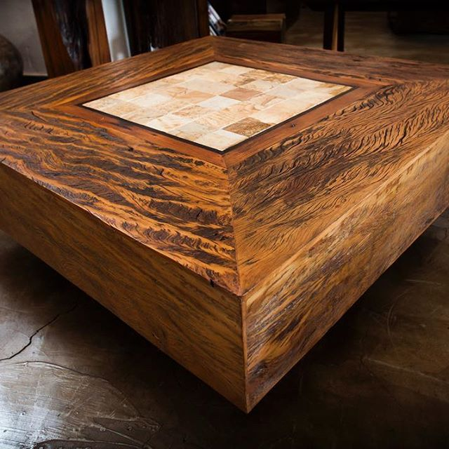 A great piece made from reclaimed Peroba beams.