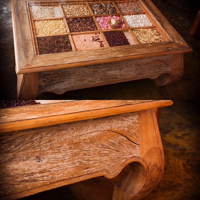 Here is another stunning example of a table made from rustic peroba boards!
