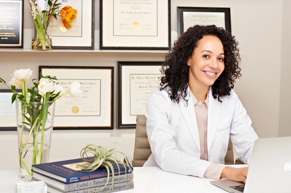 CHANEVE JEANNITON, MD - DR. JEANNITON's approach is based on the belief that beauty is, above all, not just about looking, but about feeling your best. She focuses on working with clients to rejuvenate and refine their appearance, while staying true to their natural character. As a board certified oculofacial plastic surgeon trained in reconstructive surgery, she has developed her expertise in comprehensive surgical and nonsurgical procedures focused on even the smallest details of the eyes and face. This allows her to treat clients in an integrated, holistic manner for every facial need.