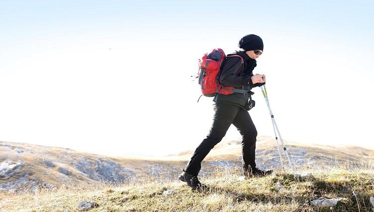 hikingThumbR.jpg