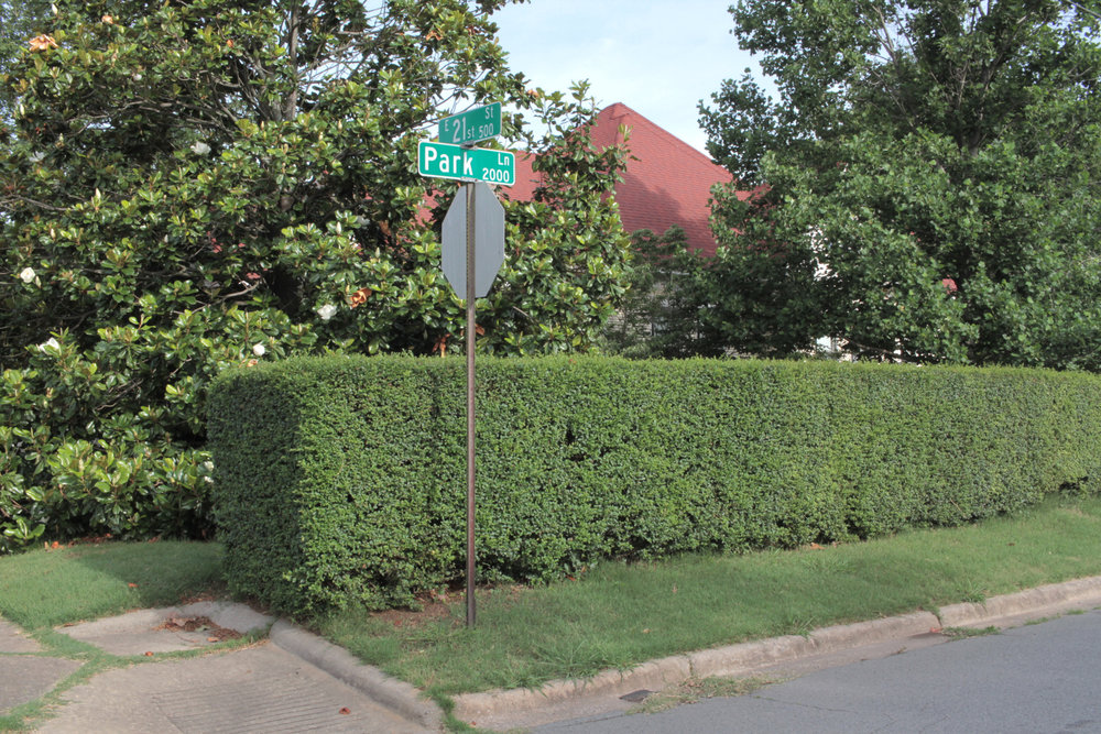 Hedge, Park Lane and 21st Street