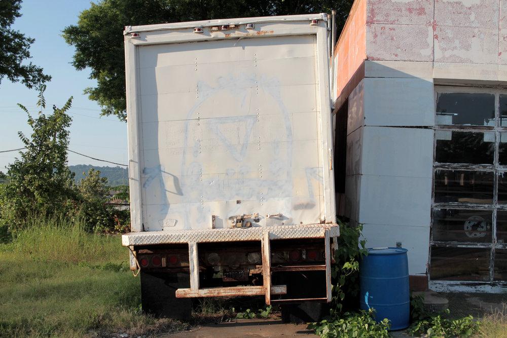 Woozel_truck_overpaint.jpg