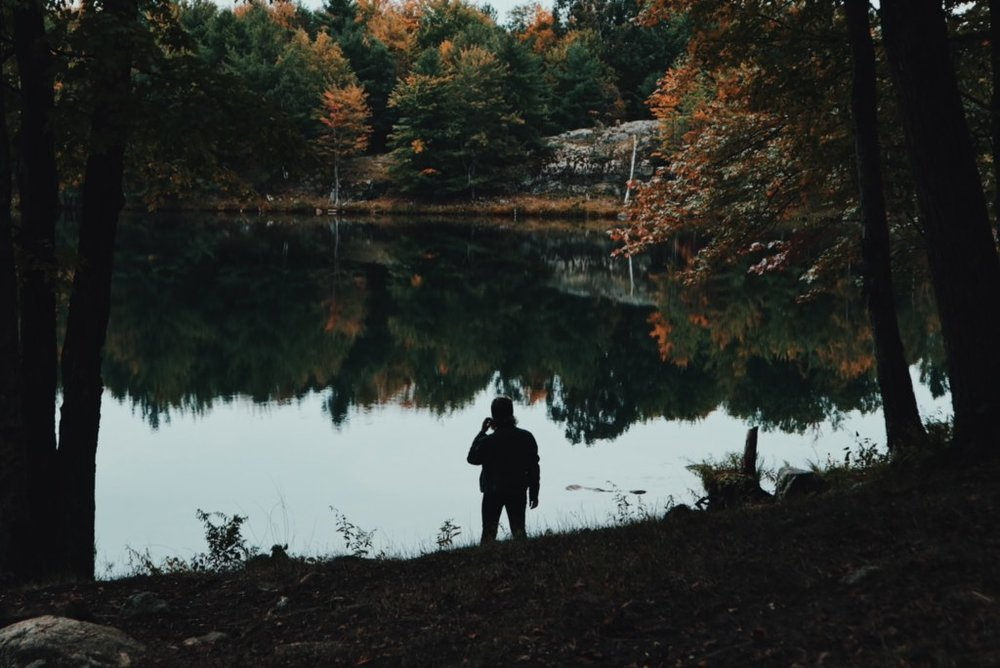 My favourite picture from our trip! Look at those fall colours, the still water. It's so peaceful!