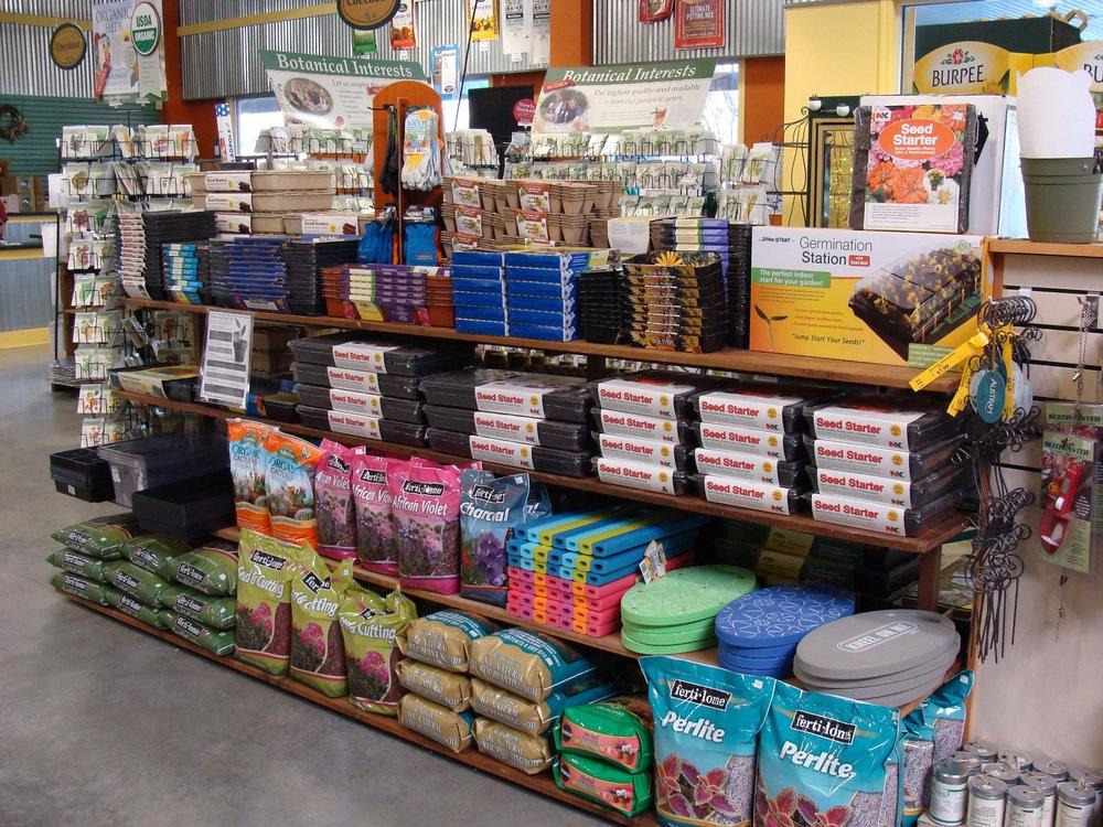 seedstartingsuppliesshelf2-15.jpg