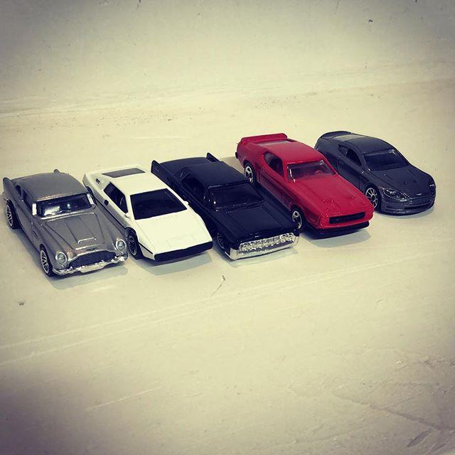 Solo para conocedores, les comparto mi colección de autos, identifican que tienen en común ?
