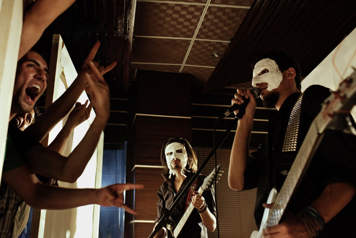 DistrictUnknown-Mask-Concert.jpg