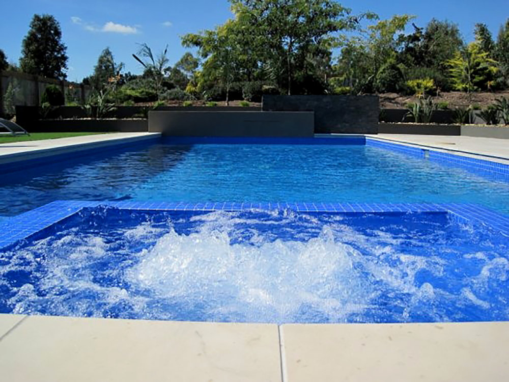Pool Copers in Honed Vanilla Sandstone