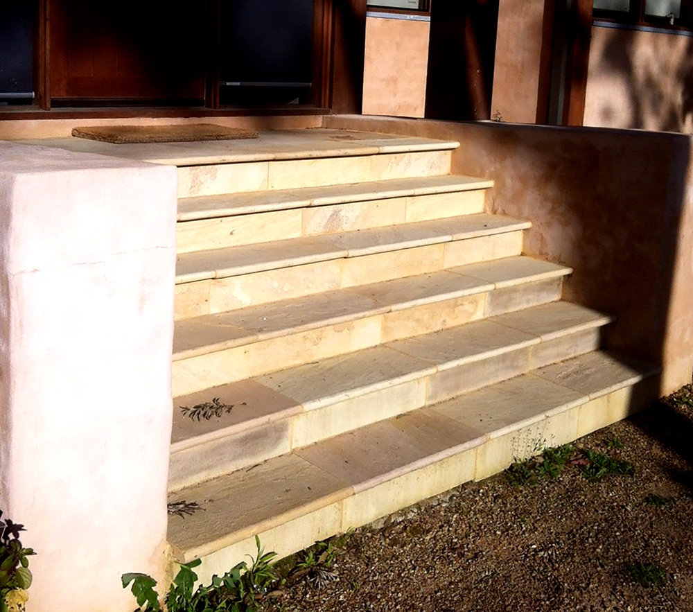 Sahara Bullnose Coping on Steps