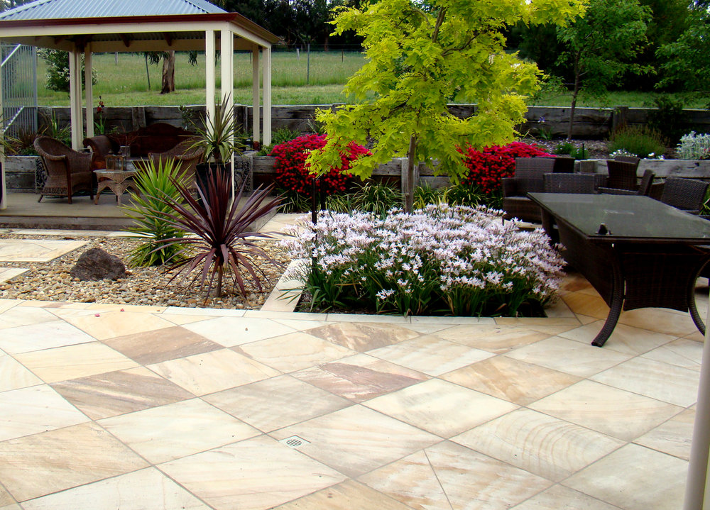 Natural Finish Golden Sands Paving