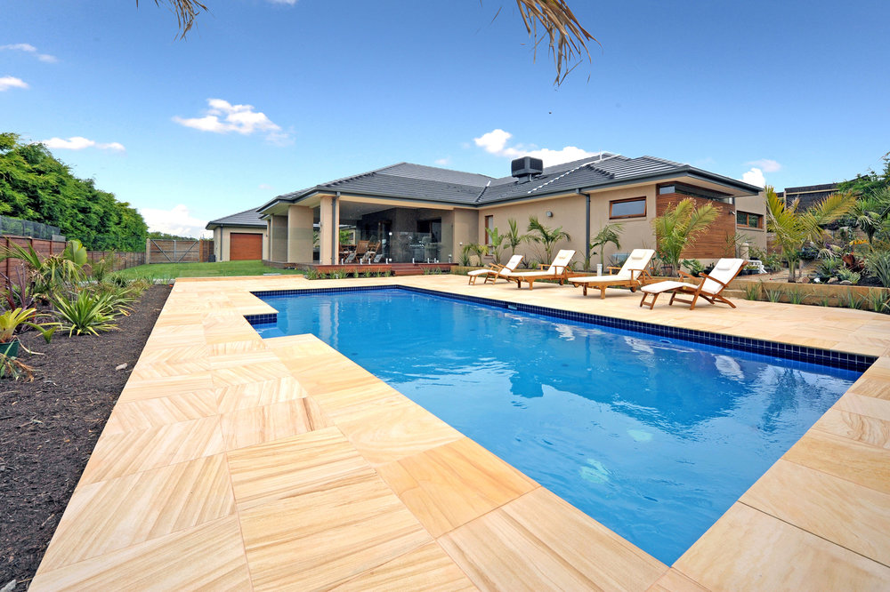 Honed Teakwood Sandstone around Pool Area