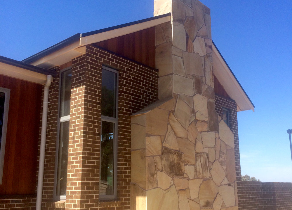 Crazy Paving on House Facade in Sahara Sandstone