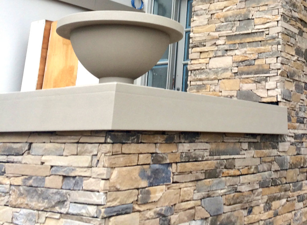 Veneer Stone Wall in Ledgestone Earth