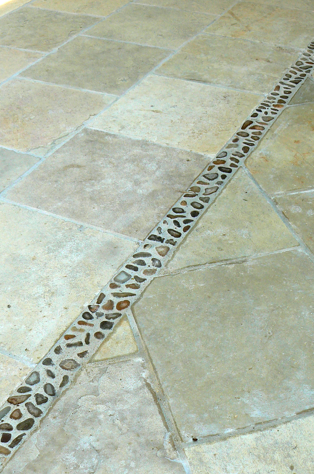 Close Up of Kota Honey Limestone Pavers