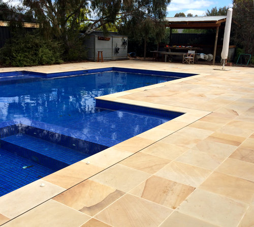 Pool Coping / Bullnose