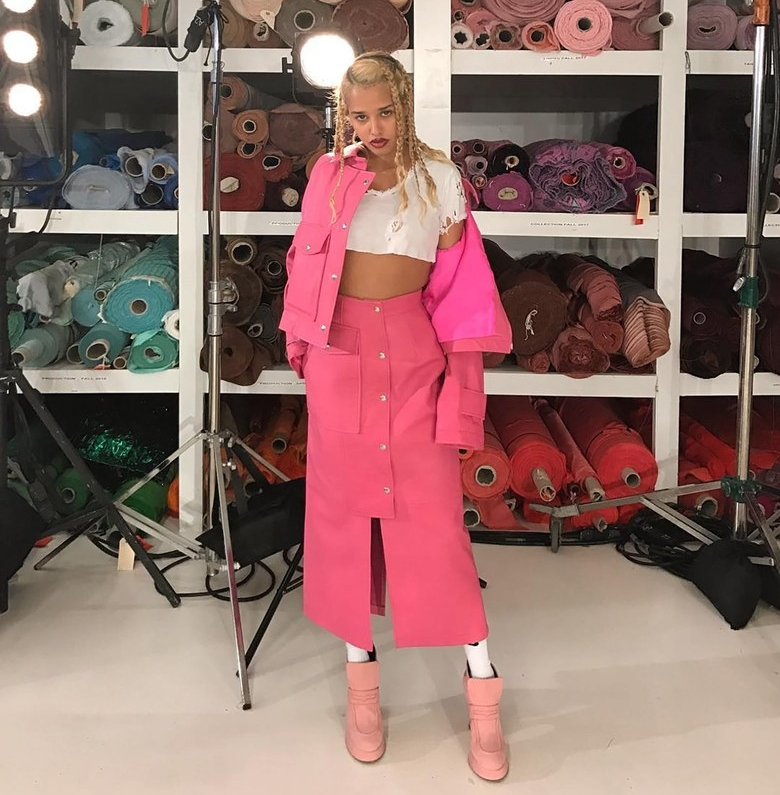 SIES MARJAN - Sies Marjan succumb to the millennial pink palette through this runways, set within a fabric factory setting, the show was a fresh expression of the Spring/Summer colour palette. Photography: @tommygenesis