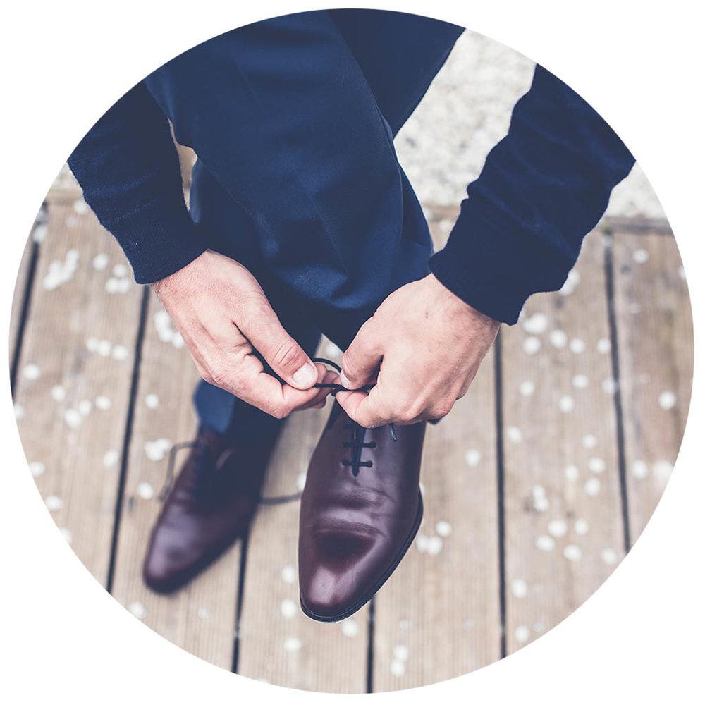 man_shoes_circle.jpg