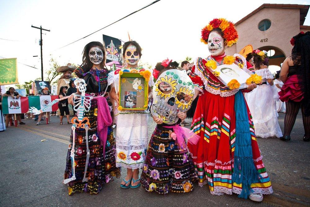 imágenes-dia-de-muertos-todos-santos-halloween-disfraces-caracterizaciones-catrina-flores-maquillaje-make-up- (8).jpg