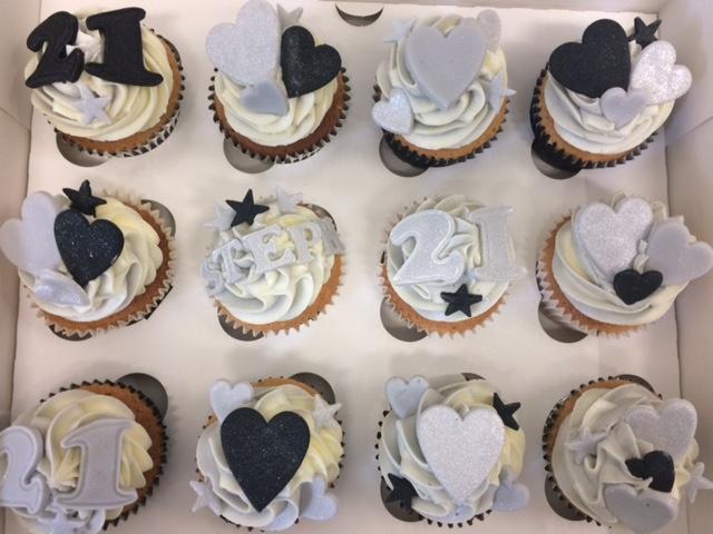 Black n Silver Cupcakes.jpg
