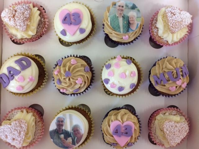 Mum n Dad Cupcakes.jpg