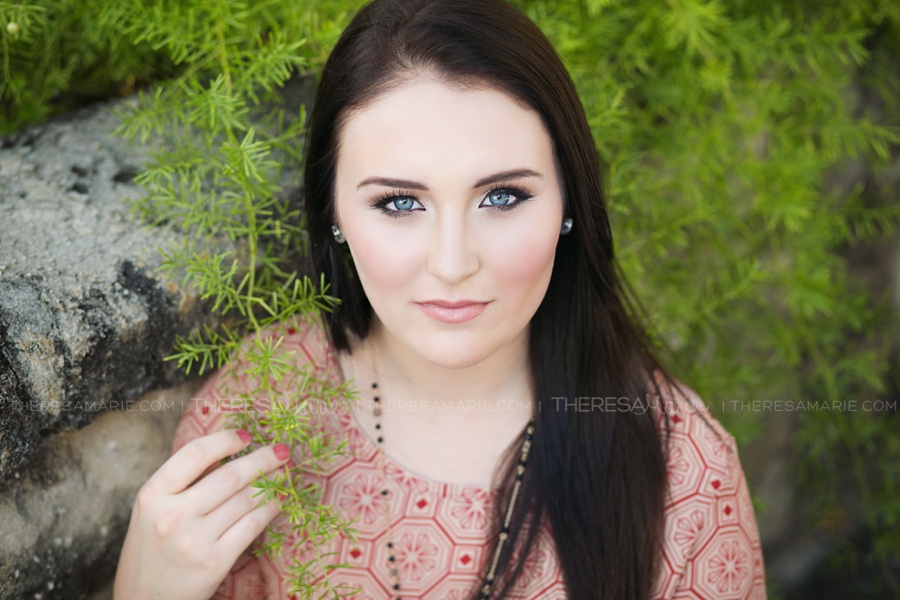 Natural senior photos downtown with Tampa senior photographer Theresa Marie