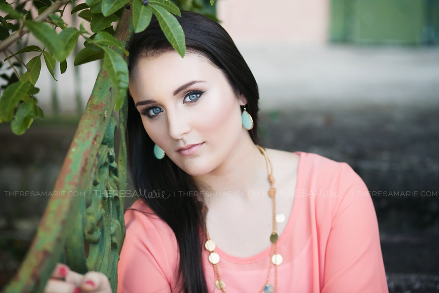 Botanical senior photo in tampa