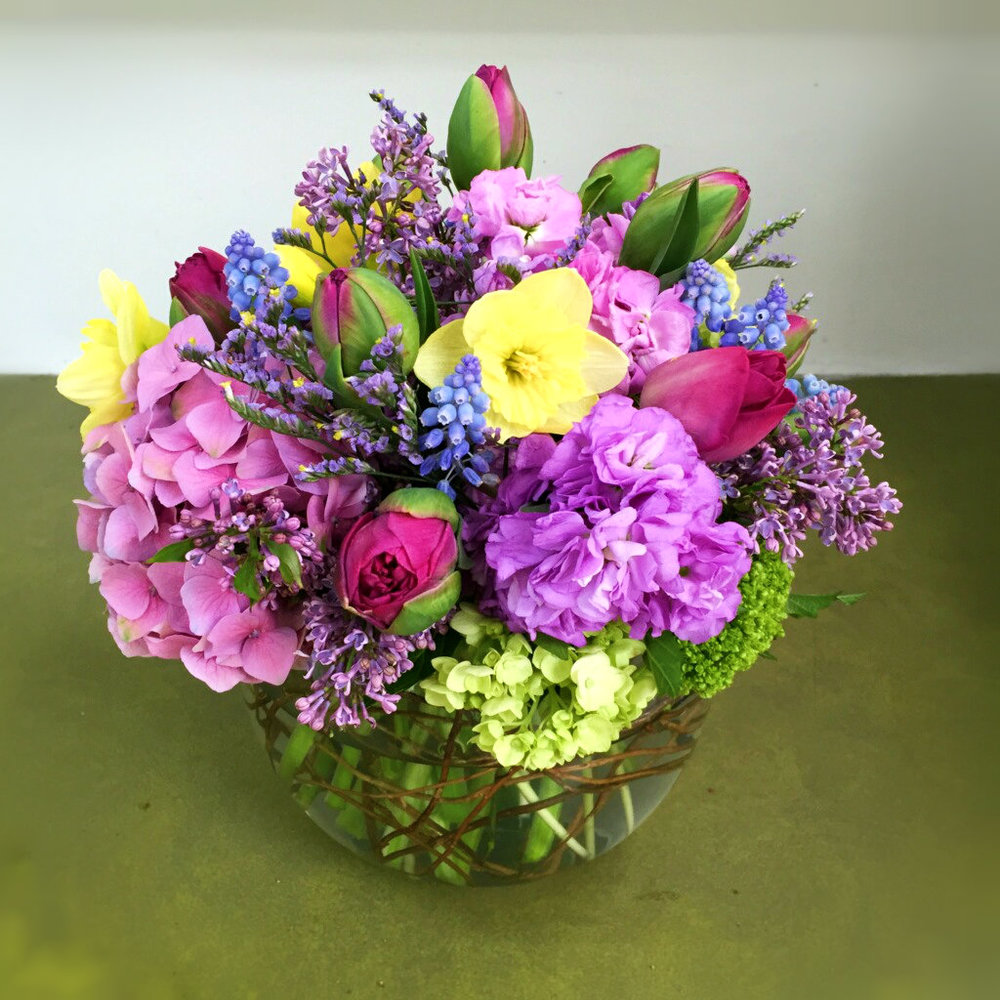 Fresh Cut Arrangements - Vase Arrangements, Tussie Mussies, Basket Arrangements...
