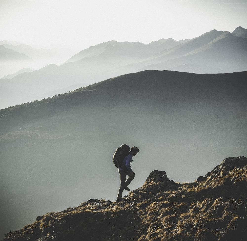 hiker silohuette.jpg