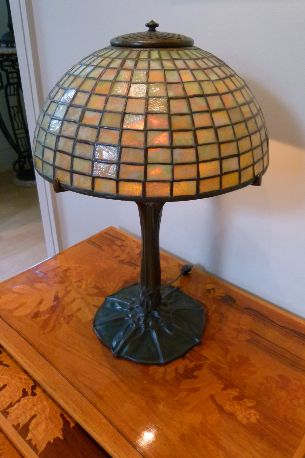 Tiffany Studios stained glass and bronze table lamp