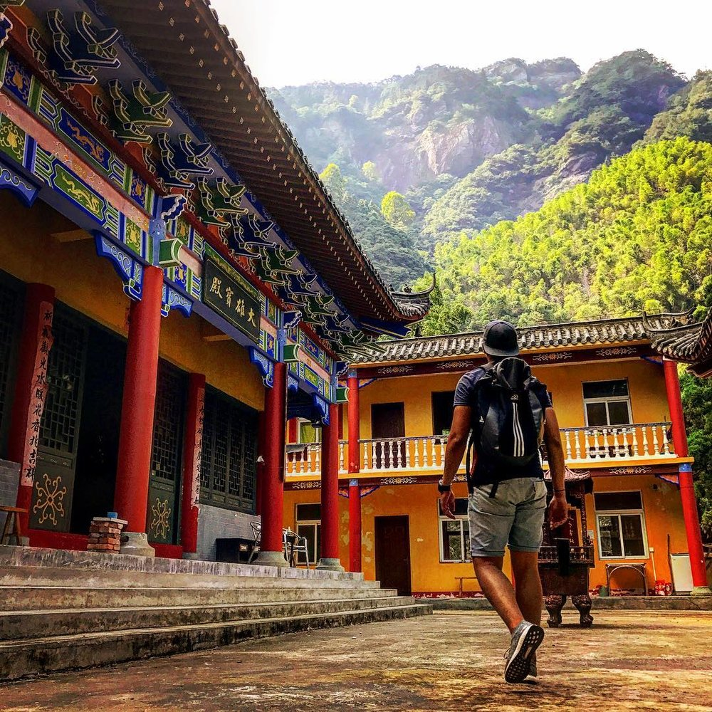 Lushan Park Hiking Buddist Temple China