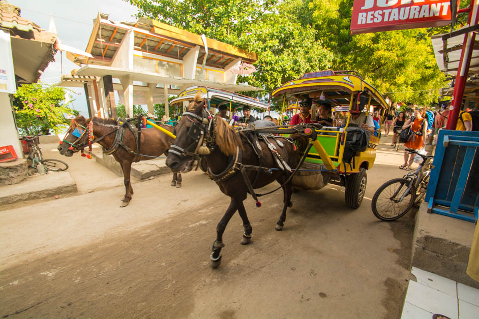 Busy-streets-on-Gili-Trawangan-1-of-1-1.jpg