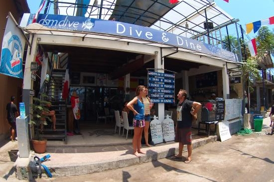 dsm-dive-gili-diving.jpg