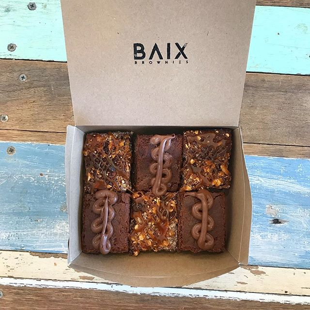Mother's Day is just around the corner - we've got you covered with a box of our crowd favs 🤤 • • • • • #baix #baixbrownies #brownies #nutella #saltedcaramel #nutellabrownie #brisbane #goldcoast #briscafes #brisbanewedding #briswed #brisbanefood #brisbanefoodies #brisbanedessert #treatyoself #sunnybank #mtgravatt #uppermtgravatt #hollandpark #mansfield