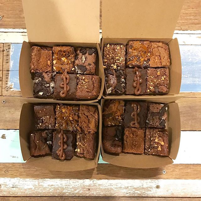 Thanks to @btlawyer from @ramsdenlawyers for the order and for supporting the team @baixbrownies 👍 • • • • #baix #baixbrownies #brisbane #goldcoast #brownies #brisbanefoodie #brisbanefood #sunnybank #mtgravatt #mansfield #hollandpark #mtgravattmarketta #brisbanecafe #xmaspresent #brisbanepresents